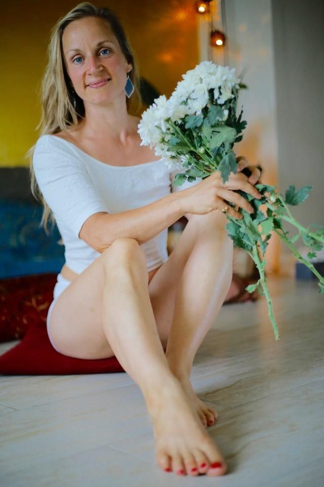 12-Habits-of-a-Confident-Woman