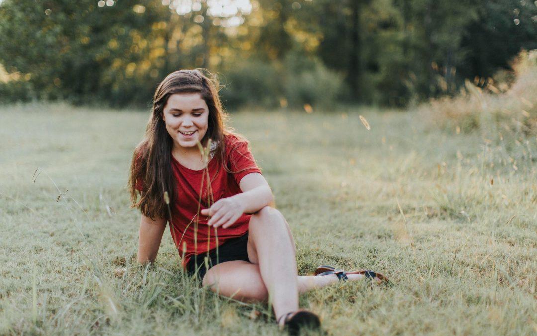 5 Ways To Boost Your Teenage Daughter's Self-Esteem